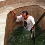 В праздник Крещения Господня прихожане могут окунуться в баптистерии, который расположен на нижнем этаже заводского храма