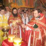 В первый день Пасхи совершается чин освящения Артоса